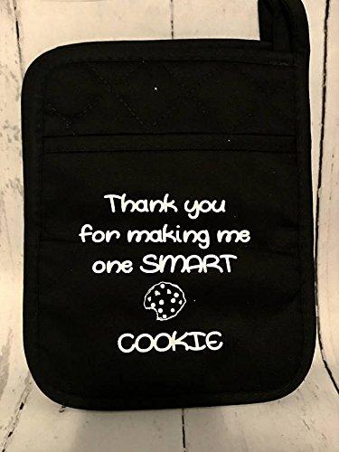 Potholder - personalized potholder - Housewarming Gift - Wedding Gift - Gift for Mom - Gift for Baker - Kitchen Supplies - Teachers gift