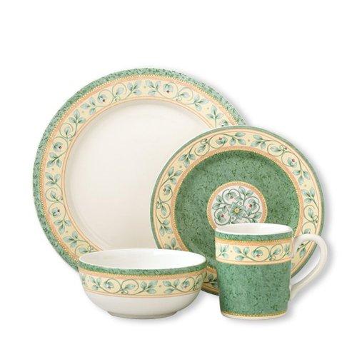Pfaltzgraff French Quarter 32 Piece Dinnerware Set Service for 8