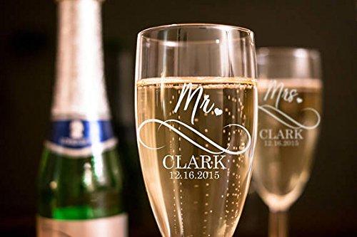 Mr And Mrs Wedding Toasting Flutes - Wedding Glasses - Custom Personalized Champagne Glasses - Wedding Flutes - Champagne Flutes