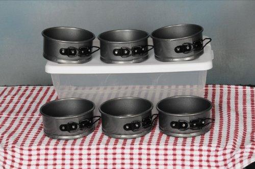 Elite Non-Stick Bakeware 4 inch Springform Bun Pans