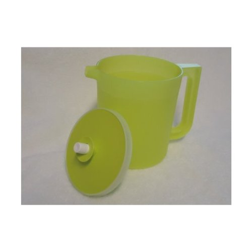 Tupperware 1 Quart Pitcher with Push Button Seal - Margarita Green