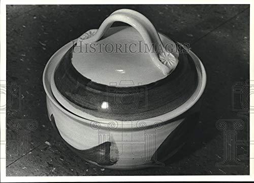 Vintage Photos 1983 Stoneware Casserole by Christi Bean - Texas - hca49460